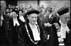 21169-5-31 Eredoctoraat Nederlandse Economische Hogeschool uitgereikt aan prof. H.B. Chenery.