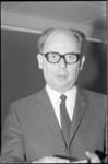 21271-5 Portret wethouder G.Z. de Vos (KVP) van Sociale Zaken en Volksgezondheid.
