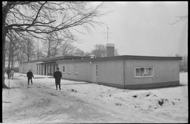 21275-7 Het gemeentelijk conferentieoord De Tempel aan de Delftweg in Overschie is in dit voormalige landgoed, ...