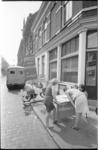 21403-7-35 Handtekeningenactie in verband met brandgevaar in Ruimte's Situatie Centrum in voormalige school aan de ...