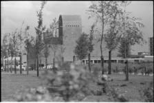 21496-7-42 De Immanuelkerk aan de Berlagestraat in Prins Alexander.
