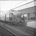 21550-4-8 Beschadigde trein na een botsing op het Centraal Station.