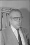 21559-2-4 Portret van de econoom Willem (Wil) Albeda, hoogleraar Nederlandse Economische Hogeschool; lid van de ...