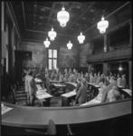 21582-3-5 Bijeenkomst Rijnmondraad in raadszaal stadhuis; voorzitter W.A. Fibbe spreekt.