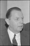 21724-5-1 Portret van W.A. Fibbe, voorzitter van het Openbaar Lichaam Rijnmond.