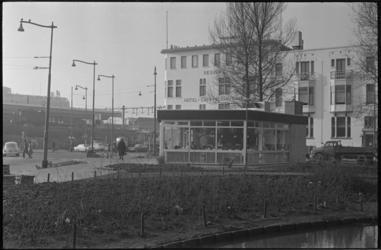 21792-7-20 Hotel-café-restaurant Regina aan de Spoorsingel.
