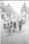 21813-2-5 De dames van actiecomité Het Oude Westen, gefotografeerd op de splitsing Sint-Mariastraat met de Gaffelstraat.