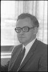 21870-1-19 Portret van G. Schilder, hoofd voorlichting van Openbaar Lichaam Rijnmond.