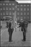 21906-6-14 De commandant van het Korps Mariniers, generaal-majoor A.M. Luijk (links), neemt afscheid en draagt het ...