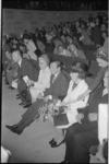 21998-5-1 Prins Claus en prinses Beatrix zitten in de Doelen-zaal bij de opening van het congres 'Mens en Stad in het ...