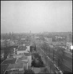 22403-4-4 Hoog overzicht vanaf toren Remonstrantse kerk richting Eendrachtsplein, Westersingel, Mauritsweg; Westblaak.