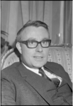 22499-3-4 Portret van Henk Koning, lid van de gemeenteraad van Rotterdam, van 4 maart 1971 tot 2 september 1974 en van ...