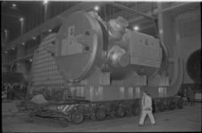 22523-3-43 Bij de RDM is een reactorvat gereed gekomen dat bestemd is voor een Amerikaanse kerncentrale, in aanbouw bij ...