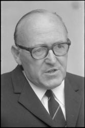 22687-6-4 Portret van de advocaat en procureur mr. L.E. Pieters.