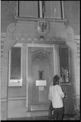 22731-6-41-R Naar het gebouw van het Duitse consulaat-generaal aan de Parklaan is een molotovcocktail geworpen.