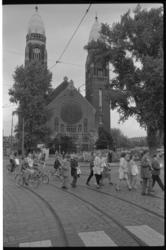 22850-2-19 Protestoptocht op de Boezemweg voor behoud van de Koninginnekerk.