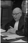 23076-4-28 President in de Arrondissementsrechtbank mr. J.G.L. Reuder tijdens het kort geding over de sloop van de ...
