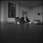 23139-3-2 De president van de Rotterdamse rechtbank, mr. L. Erades, doet uitspraak in een kort geding waarmee componist ...