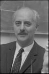 23187-6-20 Portret van prof. dr. L.H. Klaassen, directeur van het Nederlands Economisch Instituut en hoogleraar aan de ...