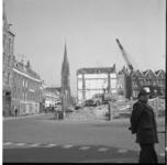 23244-2-8 Sloopwerkzaamheden op het Goudseplein met op de achtergrond de Redemptoristenkerk (Kerk van de Allerheiligste ...