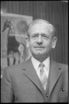 23282-7-7 Portret van Freek Diemer, directeur van dagblad De Rotterdammer.