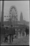 23345-6-1 Kermis met een reuzenrad gelegenheid van Koninginnedag op het evenemententerrein gelegen tussen Hofdijk, ...
