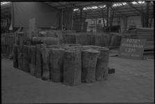 23385-7-22 De boedel van de manifestatie C'70 gaat onder de hamer en ligt opgeslagen in de oude Ahoy'-hallen aan de Hofdijk.