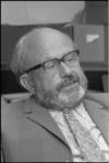 23642-5-15 Portret prof. dr. E. Diemer, lector communicatiewetenschappen aan de Vrije Universiteit (vanaf 16-01-1971); ...