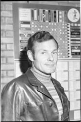 23832-4 Portret van Pim Visser, trainer van voetbalvereniging Xerxes.