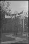 23841-7-19 Spandoek in Zuiderpark in verband met verkiezingen op 15-11-1972.