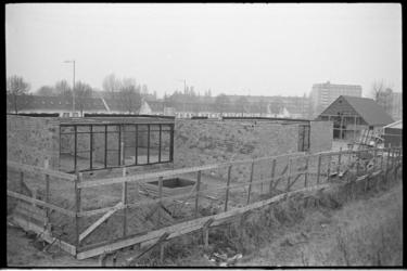 23981-6-35 Kinderboerderij 'De Bokkesprong' aan de Tjalklaan.
