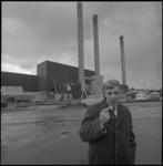 24040-3-5 Rijnmondgecommitteerde J. de Jong voor de gebouwen van de NV Afvalverwerking Rijnmond aan de Professor ...