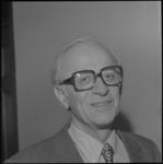 24326-2-6 Portret van J. Worst, wethouder.