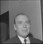 24326-3-7 Portret van drs. J.G. van der Ploeg