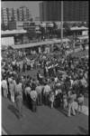 24357-5-62 Overzicht Schouwburgplein met publiek en Turkse dansers.