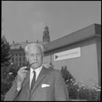 24421-1-4 Portret van ir. Th. Brouwer, directeur van de Verkeersdienst Rotterdam. Hij gaat eind 1973 met pensioen en ...