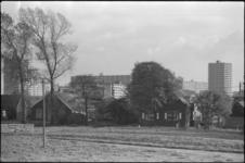 24521-5-64 De plannen voor een kinderboerderij (De Blijde Wei) aan de Bergse Linker Rottekade 435 in Ommoord komen ...