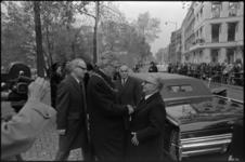 24524-6-2 Burgemeester W.Thomassen neemt afscheid, na een vaartocht door Europoort en Rotterdamse haven met o.a. ...