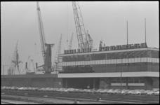 24531-1-18a Het kantoorgebouw van Müller-Progress bij de Merwehaven. In die periode waren er veel klachten van bewoners ...
