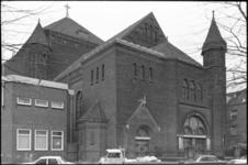 24566-7-2 In de Sint-Barbarakerk aan de Crooswijkseweg is 29-09-1974 de laatste eucharistieviering gehouden. Het gebouw ...