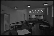 24567-1-28 Eetzaal Huis ter Schie aan de Pieter Postlaan 6.
