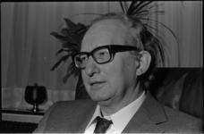 24595-6-27 Portret van Piet Derksen, directeur van Sporthuis Centrum.