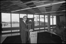 24783-6-16A Pieter van Vollenhoven opent de terminal van North Sea Ferries aan de Beneluxhaven (Europoort).