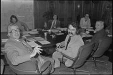 25053-7-7 Burgemeester Wim Thomassen, diens opvolger André van der Louw en de wethouders J. Mastik, J. de Jong, Jan ...