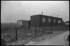 25123-1-1 Woonwagen van mevrouw L.R. Driessen-Hoogendijk aan het Zevenbergsedijkje.