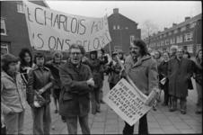 25179-2-4 Demonstratie tegen de mogelijke vestiging van een prostitutiecentrum op het Charloisse Hoofd tijdens een ...