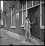 25266-3-6 Sociëteit van Kaapverdiërs (Associação Caboverdiana) aan de 's-Gravendijkwal 144, hoek Ochterveltstraat.