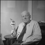 25331-2 Portret van dr. J.H. Landwehr, huisarts.