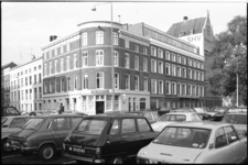 25400-2-2 De Westerkade, hoek Zeemansstraat. Rechts, op de hoek met de Veerhaven, het pand van de Steenkolen ...