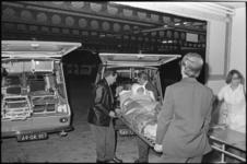 25469-2-11 Vervoer van patiënten vanaf het oude Sint Franciscus Gasthuis aan de Schiekade naar het nieuwgebouwde ...